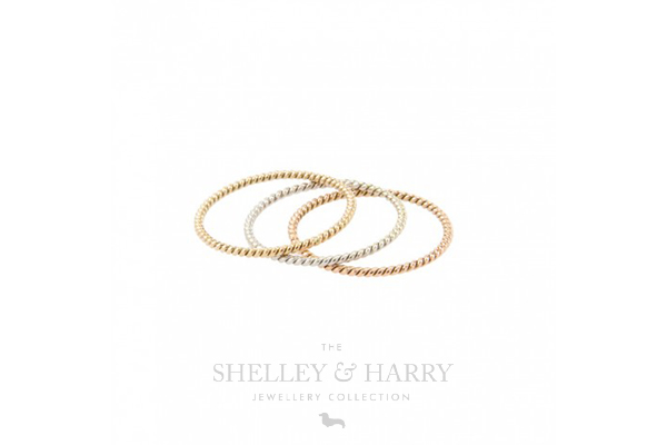Stacking-rings-gold-blog-image