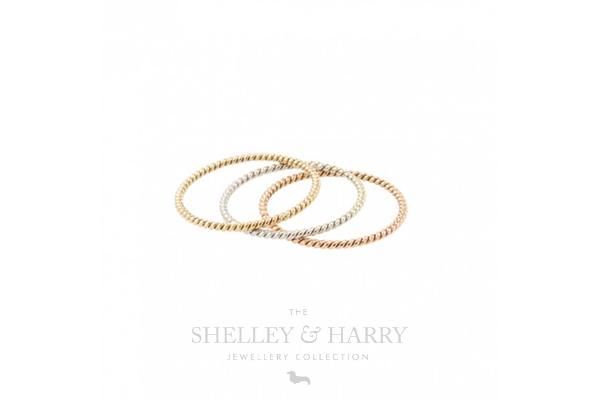 Stacking-rings-gold-blog-image