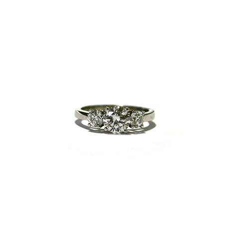 3-stone-diamond-engagement-ring
