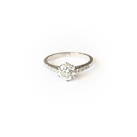 6-Claw-Diamond-Engagement-Ring-with-Diamond-Band-Platinum