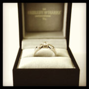 Diamond-Engagement-Ring-with-Bow-Detail-Platinum -01