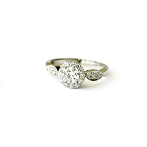 Diamond-Engagement-Ring-with-Leaf-shaped-Detail
