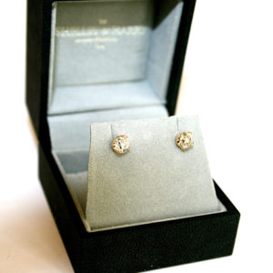 Diamond-Studs-White-Gold