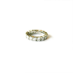 Double-Claw-Diamond-Eternity-Ring
