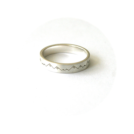 Mens-Engraved-Wedding-Ring