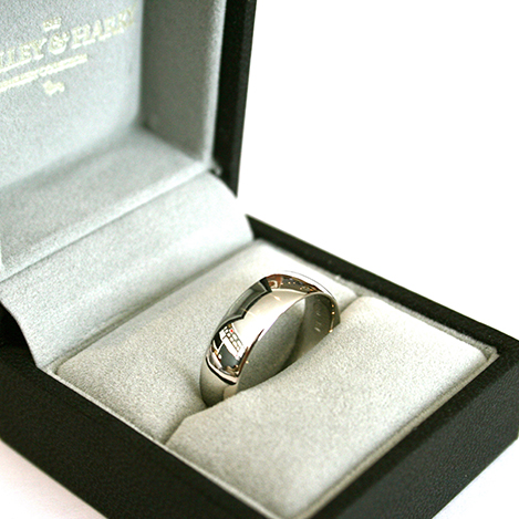 Mens-Rounded-Ring