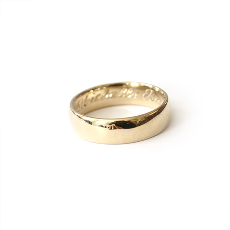 Mens-Wedding-Band-Gold