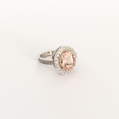 Morganite-and-Diamond-Ring-Platinum