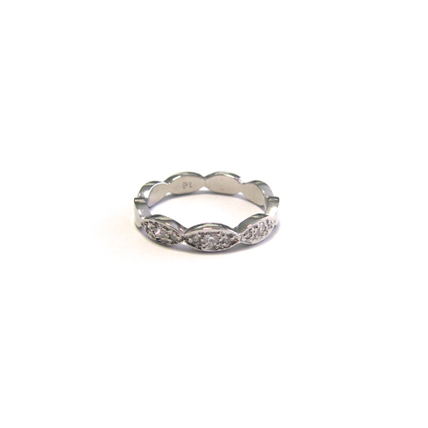 Scalloped-Diamond-Eternity-Band