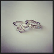 6-Claw-Solitaire-Diamond-Engagement-Ring-01