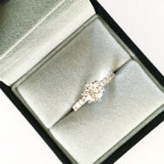 6-claw-diamond-engagement-ring-03