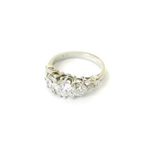 Antique-Style-Engagement-Ring-Platinum