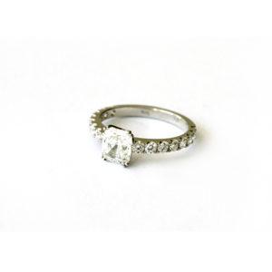 Cushion-Cut-Engagement-Ring-Platinum