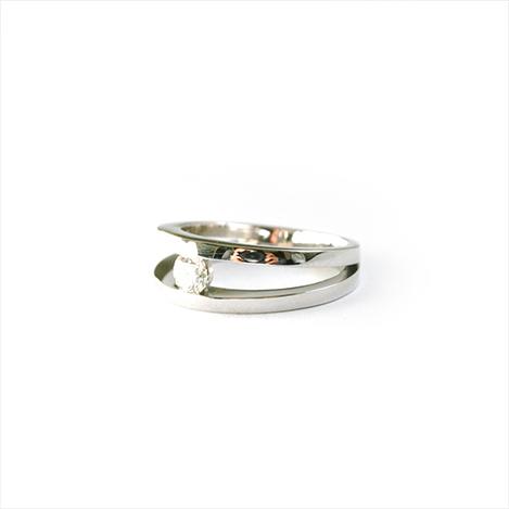 Diamond-Suspension-Engagement-Ring-Platinum