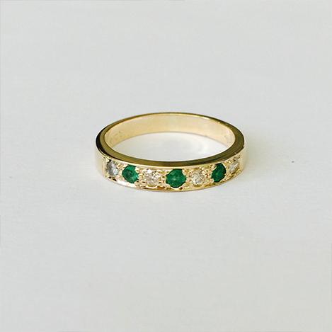 Emerald-and-Diamond-Eternity-Ring