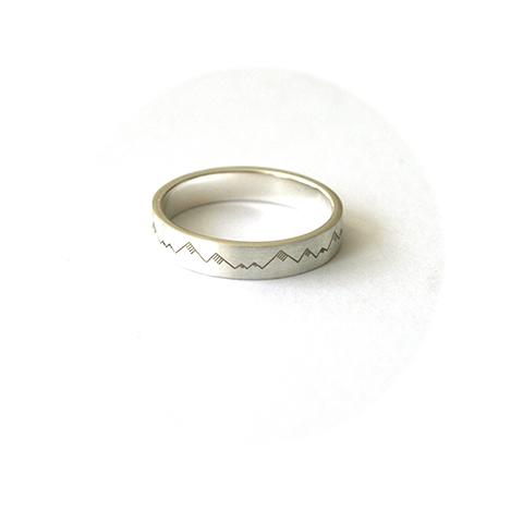 Mens-Engraved-Wedding-Ring