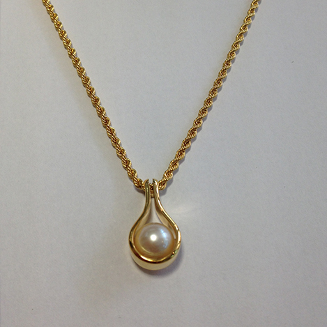 Pearl-Necklace-Yellow-Gold