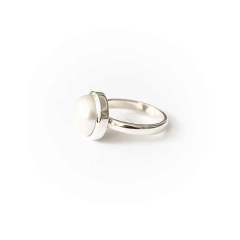 Pearl-Ring-White-Gold