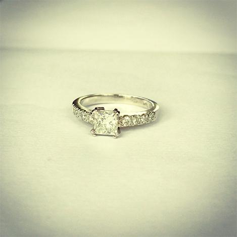 Princess-cut-diamond-engagement-ring