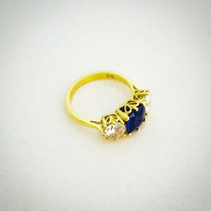 Sapphire-and-Diamond-Engagement-Ring-Yellow-Gold