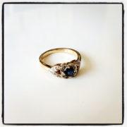Sapphire-and-Diamond-Ring-Yellow-Gold-01